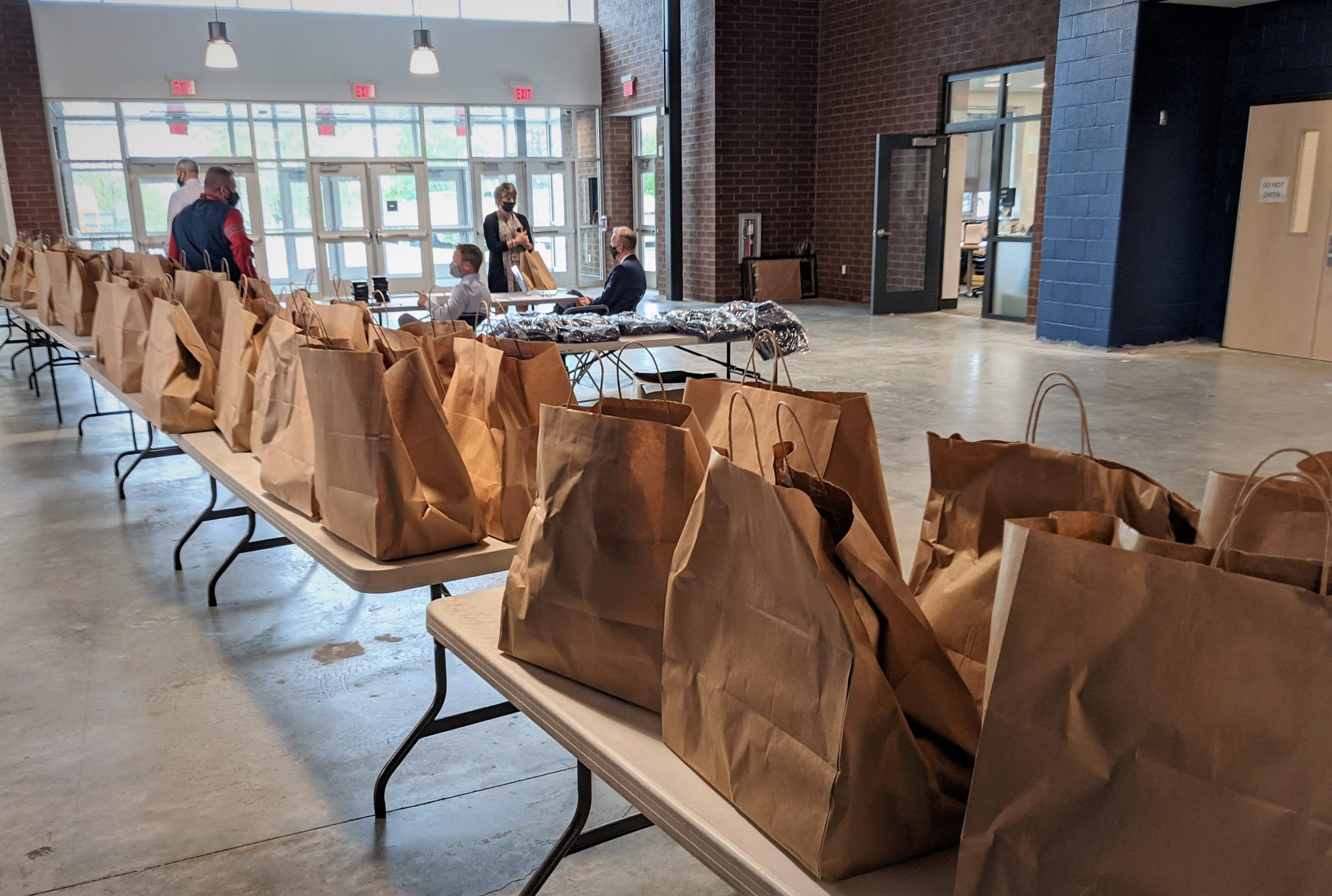 takeout meal distribution for honored employees